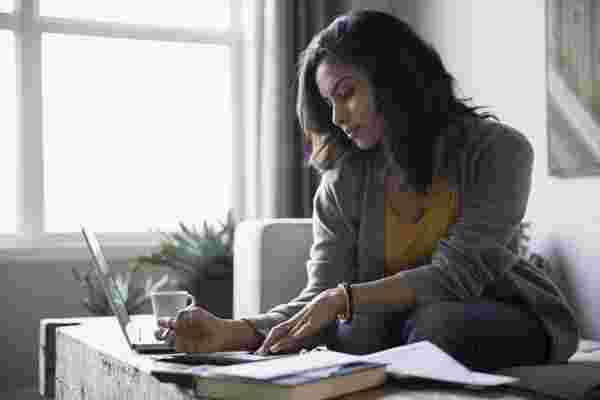 自由职业者管理开支和获得报酬的方法