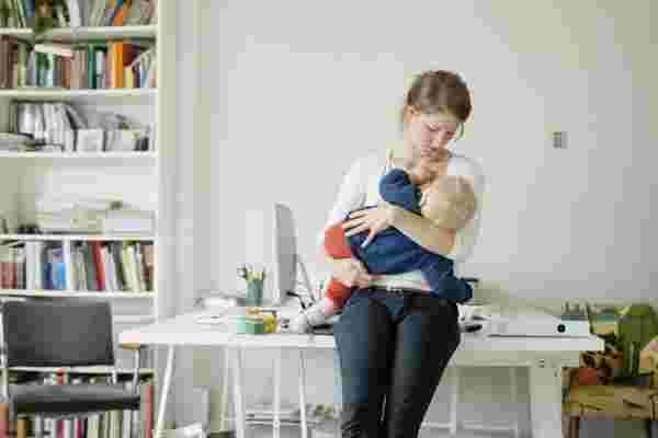 为了更高效的工作场所,欢迎母乳喂养的妈妈们回到工作岗位