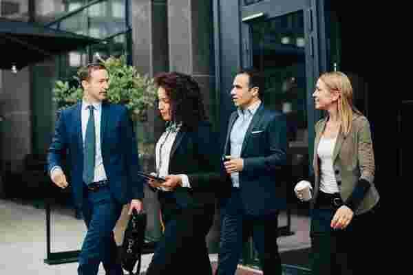 现在想要一个更活跃的工作区吗?以下是3种健康策略,可以帮助您达到目标。