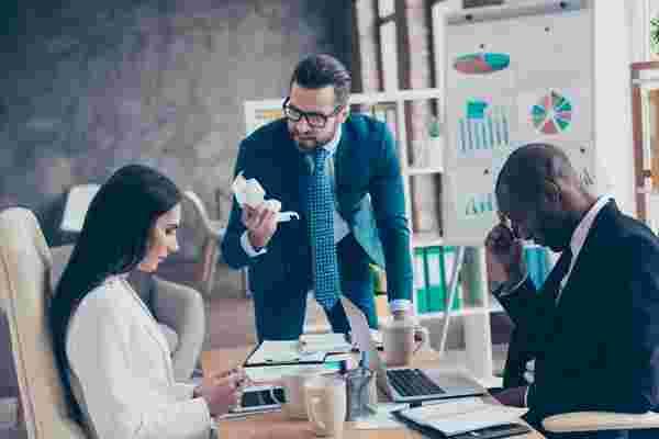 商业领袖可以拥有的5个最糟糕的特征 (信息图)