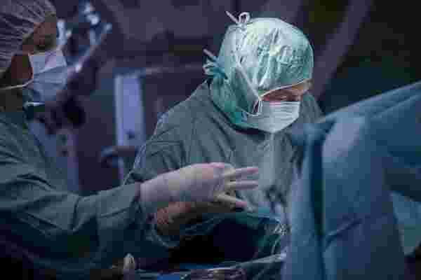 脑外科医师应对压力的技巧